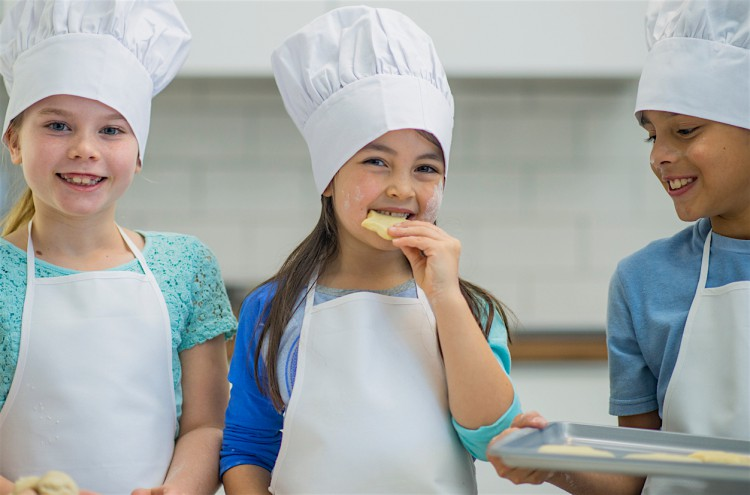 Kids cookery lessons fun
