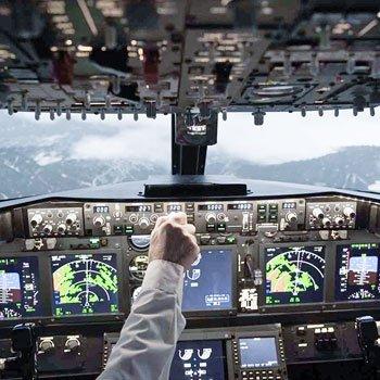 737 Flightdeck In Boston