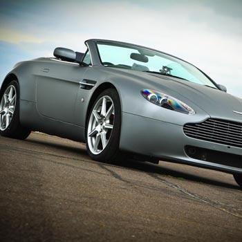 Aston Martin 007 Drive
