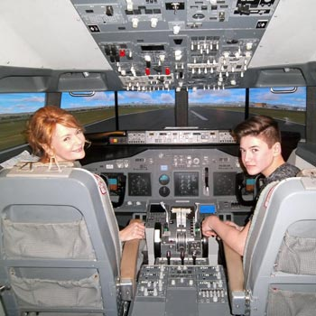 737 Flight Simulator Bedfordshire Picture