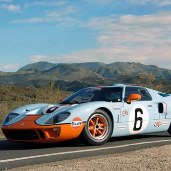 Ford GT40 Driving