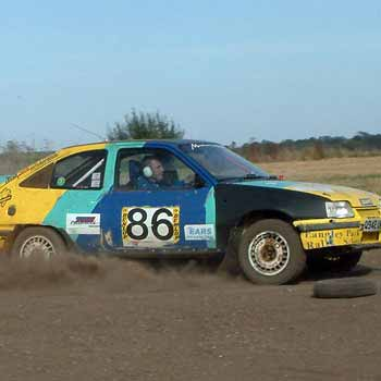 yellow and blue rally car