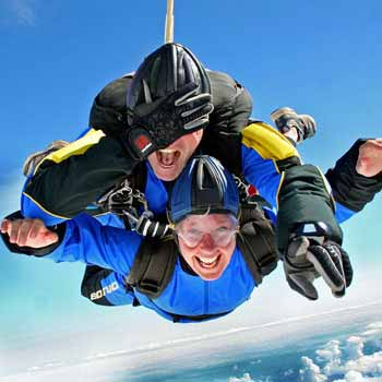 couple skydive
